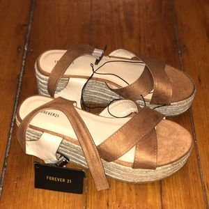 NWT Forever 21 Wedges Size 7